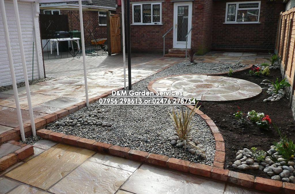 Madoc Patio with Circle & Gravel